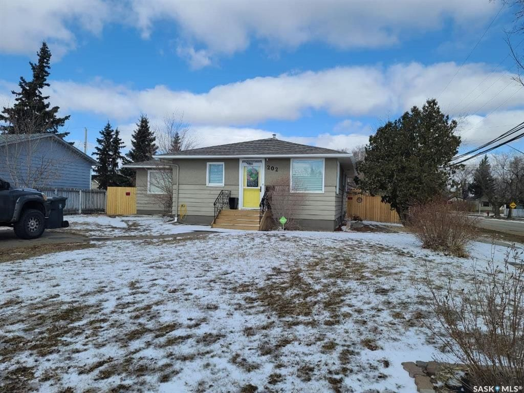 Main Photo: 202 26th Street in Battleford: Residential for sale : MLS®# SK847161