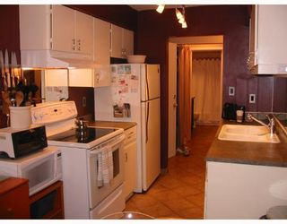 """Photo 5: 207 9847 MANCHESTER Drive in Burnaby: Cariboo Condo for sale in """"BARCLAY WOODS"""" (Burnaby North)  : MLS®# V726045"""