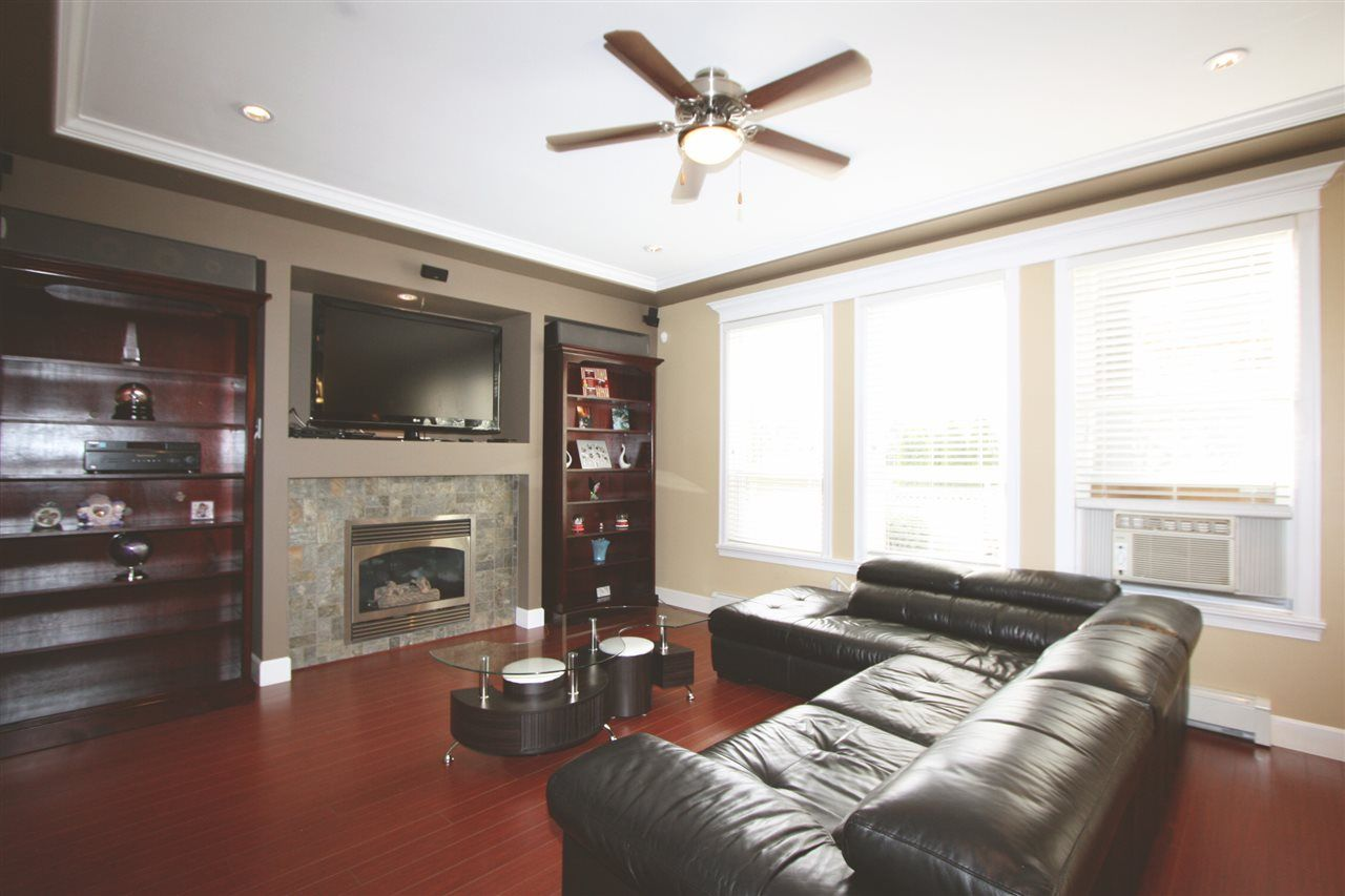 Photo 9: Photos: 6303 167B Street in Surrey: Cloverdale BC House for sale (Cloverdale)  : MLS®# R2123835