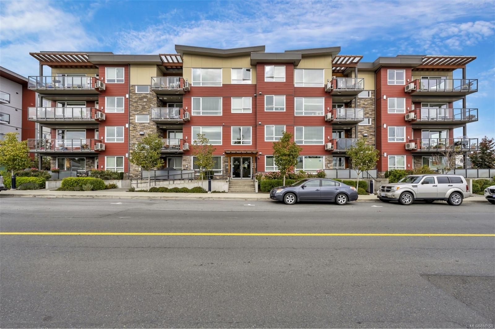 Main Photo: 302 300 Belmont Rd in : Co Colwood Corners Condo for sale (Colwood)  : MLS®# 888150