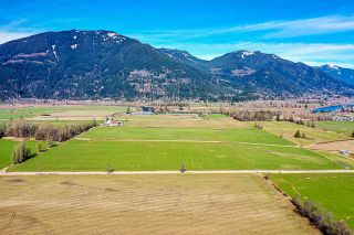 Photo 4: 37AC LOUGHEED Highway in Mission: Dewdney Deroche Agri-Business for sale : MLS®# C8037147