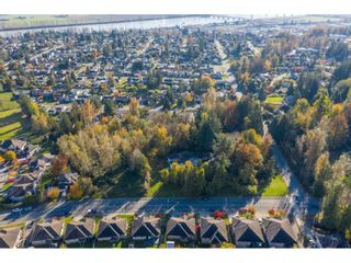 Photo 2: 7816 DUNSMUIR Street in Mission: Mission BC House for sale : MLS®# R2512120