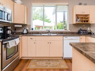 Photo 17: 2854 Ulverston Ave in CUMBERLAND: CV Cumberland House for sale (Comox Valley)  : MLS®# 761595