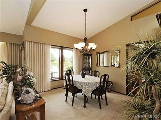 Photo 6: 8092 Mahon Pl in SAANICHTON: CS Saanichton House for sale (Central Saanich)  : MLS®# 649318