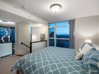 Photo 13: 329 10 RENAISSANCE SQUARE in New Westminster: Quay Condo for sale : MLS®# R2330423