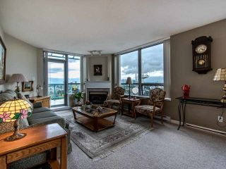 """Photo 2: 2003 612 SIXTH Street in New Westminster: Uptown NW Condo for sale in """"WOODWARD"""" : MLS®# R2472941"""