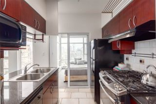 Photo 7: 3201 198 AQUARIUS MEWS in Vancouver: Yaletown Condo for sale (Vancouver West)  : MLS®# R2202359