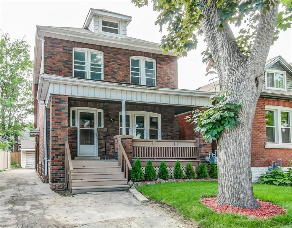 Main Photo: 92 Province Street in Hamilton: House for sale : MLS®# H4030641