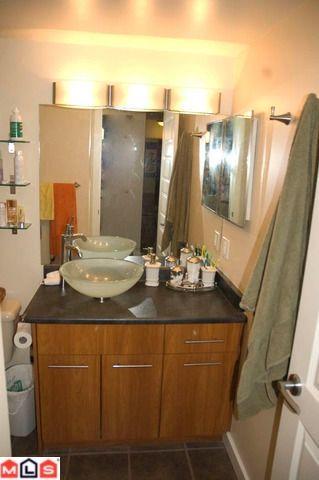 Photo 5: # 106 10644 151A ST in Surrey: Condo for sale : MLS®# F1004720