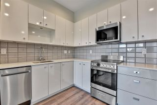 """Photo 5: 512 10838 WHALLEY Boulevard in Surrey: Bolivar Heights Condo for sale in """"The Maverick"""" (North Surrey)  : MLS®# R2583734"""