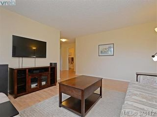Photo 2: 1701 Jefferson Ave in VICTORIA: SE Gordon Head Half Duplex for sale (Saanich East)  : MLS®# 755004