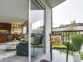 """Photo 12: 204 36 E 14 Avenue in Vancouver: Mount Pleasant VE Condo for sale in """"Rosemont Manor"""" (Vancouver East)  : MLS®# R2166015"""