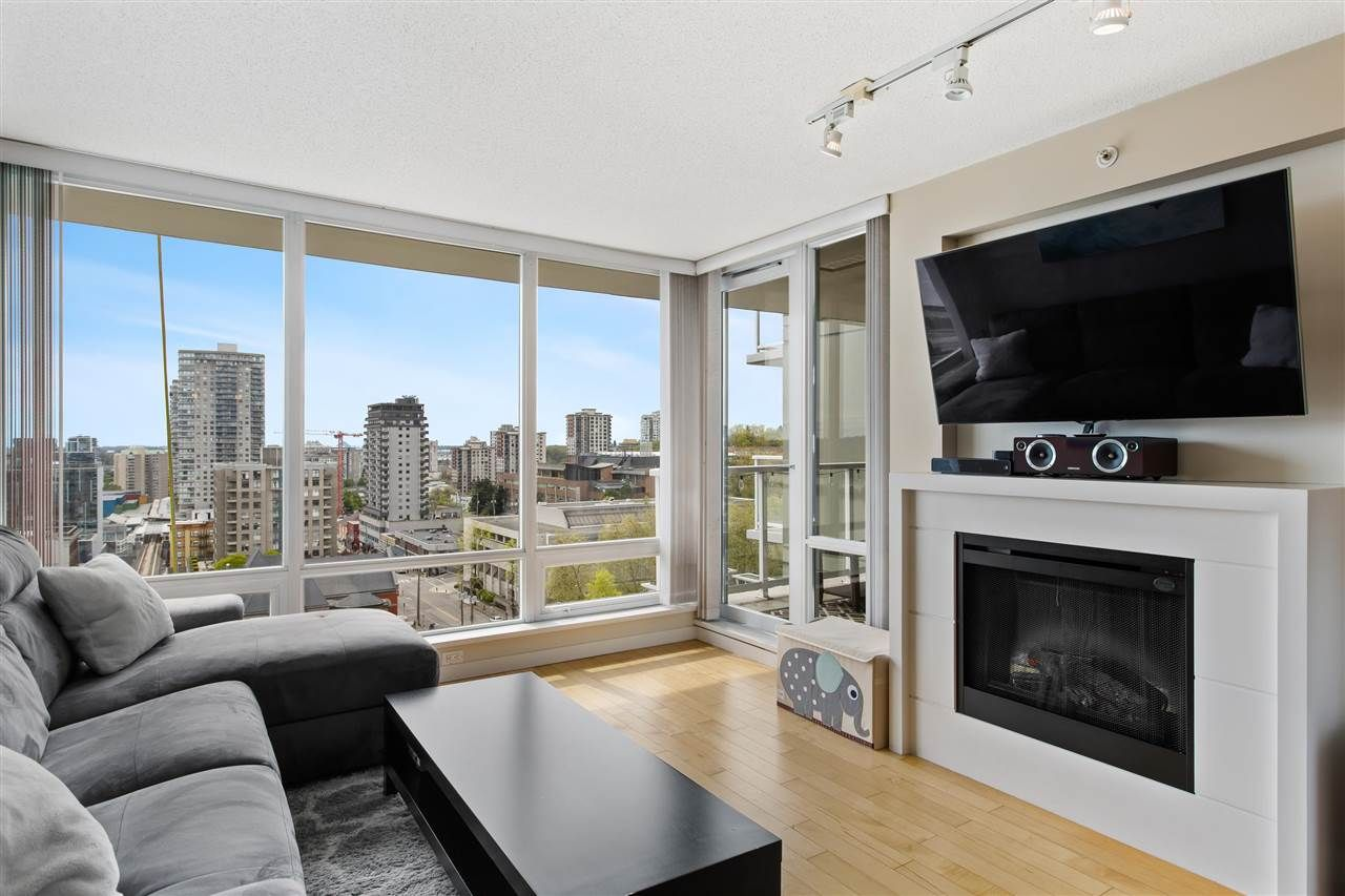 """Main Photo: 1506 39 SIXTH Street in New Westminster: Downtown NW Condo for sale in """"Quantum"""" : MLS®# R2575471"""