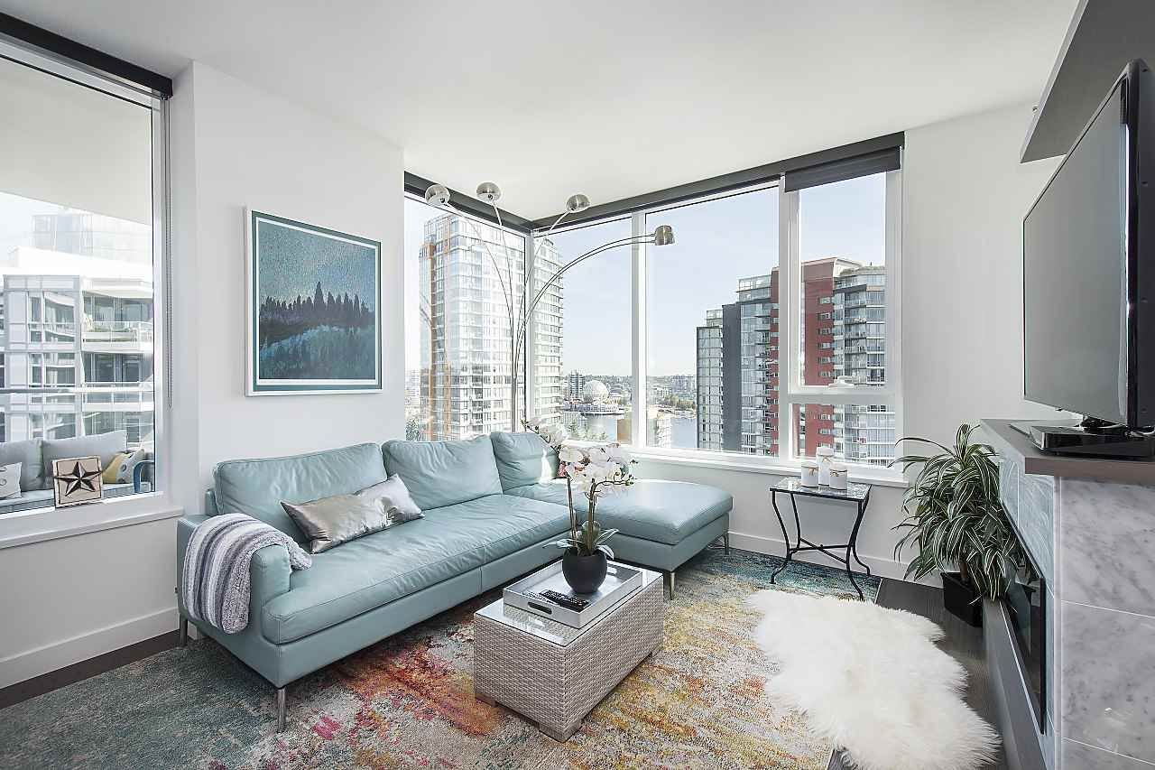 """Photo 6: Photos: 1908 68 SMITHE Street in Vancouver: Downtown VW Condo for sale in """"1 PACIFIC"""" (Vancouver West)  : MLS®# R2244187"""