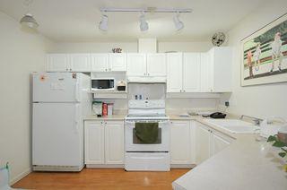 "Photo 5: 404 1618 GRANT Avenue in Port Coquitlam: Glenwood PQ Condo for sale in ""WEDGEWOOD MANOR"" : MLS®# R2356755"
