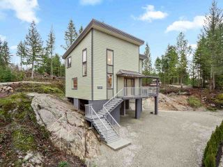 "Photo 2: 9425 STEPHENS Way in Halfmoon Bay: Halfmn Bay Secret Cv Redroofs House for sale in ""Halfmoon Bay Resort"" (Sunshine Coast)  : MLS®# R2587628"
