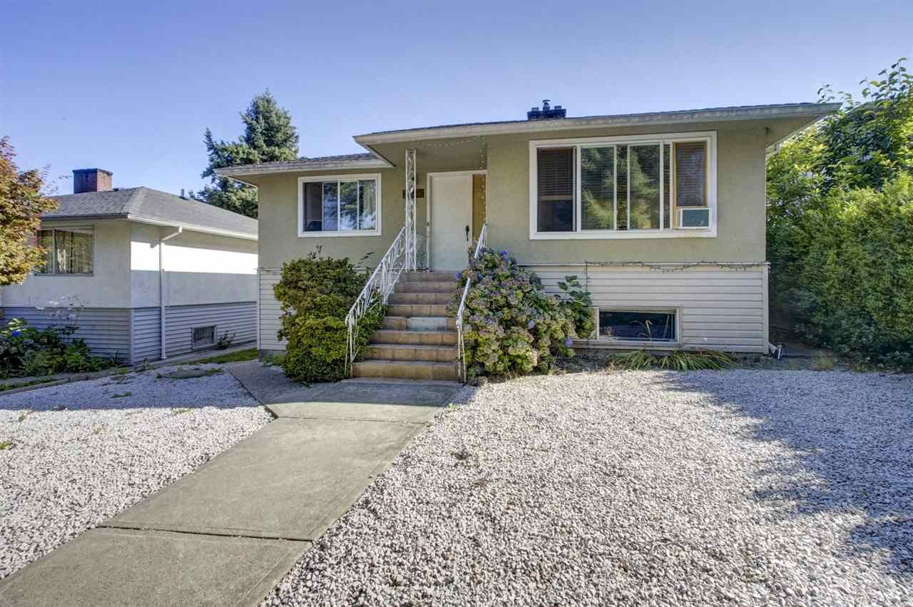 Main Photo: 2536 E 29TH Avenue in Vancouver: Collingwood VE House for sale (Vancouver East)  : MLS®# R2399407