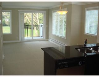 """Photo 4: 104 4025 NORFOLK Street in Burnaby: Central BN Townhouse for sale in """"NORFOLK TERRACE"""" (Burnaby North)  : MLS®# V765594"""