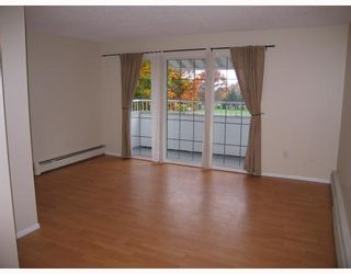 "Photo 3: 319 707 8TH Street in New Westminster: Uptown NW Condo for sale in ""THE DIPLOMAT"" : MLS®# V793958"