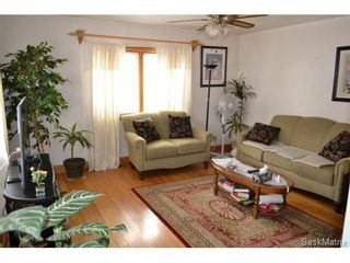 Photo 4: 311 P AVENUE N in Saskatoon: Mount Royal Single Family Dwelling for sale (Saskatoon Area 04)  : MLS®# 446906
