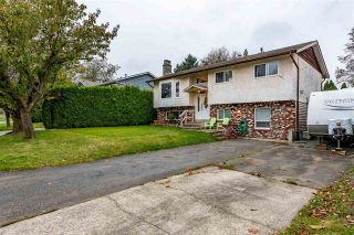 Photo 3: 26447 28B Avenue in Langley: Aldergrove Langley House for sale : MLS®# R2512765