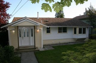 Photo 4: 15508 Royal Avenue in White Rock: Home for sale : MLS®# F1114436