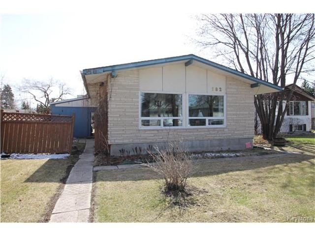 Main Photo: 582 Bruce Avenue in Winnipeg: Bruce Park Residential for sale (5F)  : MLS®# 1709669