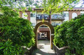 """Photo 2: 204 225 W 3RD Street in North Vancouver: Lower Lonsdale Condo for sale in """"Villa Valencia"""" : MLS®# R2459541"""