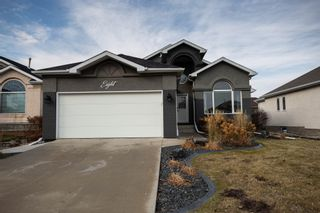 Photo 1: 8 Copperstone Crescent in Winnipeg: Southland Park Single Family Detached for sale (2K)