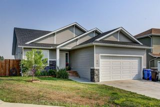 Photo 1: 26 Mackenzie Way: Carstairs Detached for sale : MLS®# A1135289