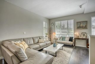 """Photo 4: 48 1338 HAMES Crescent in Coquitlam: Burke Mountain Townhouse for sale in """"FARRINGTON PARK"""" : MLS®# R2453461"""