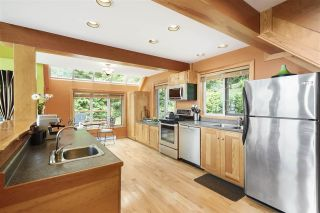 """Photo 4: 594 WALKABOUT Road: Keats Island House for sale in """"Melody Point"""" (Sunshine Coast)  : MLS®# R2387729"""