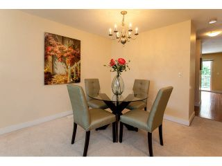 """Photo 5: 44 6555 192A Street in Surrey: Clayton Townhouse for sale in """"The Carlisle"""" (Cloverdale)  : MLS®# R2037162"""