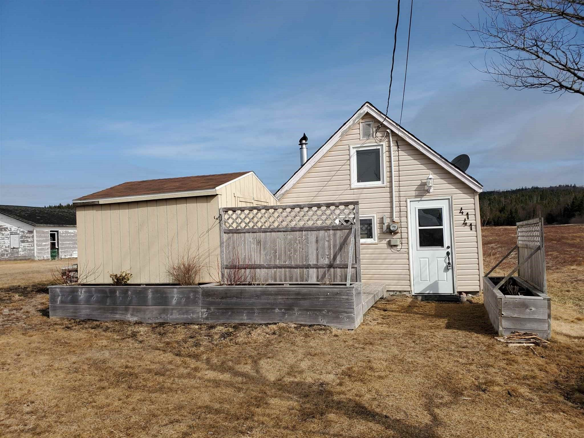 Main Photo: 4141 Highway 209 in Advocate: 102S-South Of Hwy 104, Parrsboro and area Residential for sale (Northern Region)  : MLS®# 202109184
