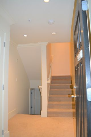 Photo 3: 2168 FRANKLIN STREET in Vancouver: Hastings Townhouse for sale (Vancouver East)  : MLS®# R2382704