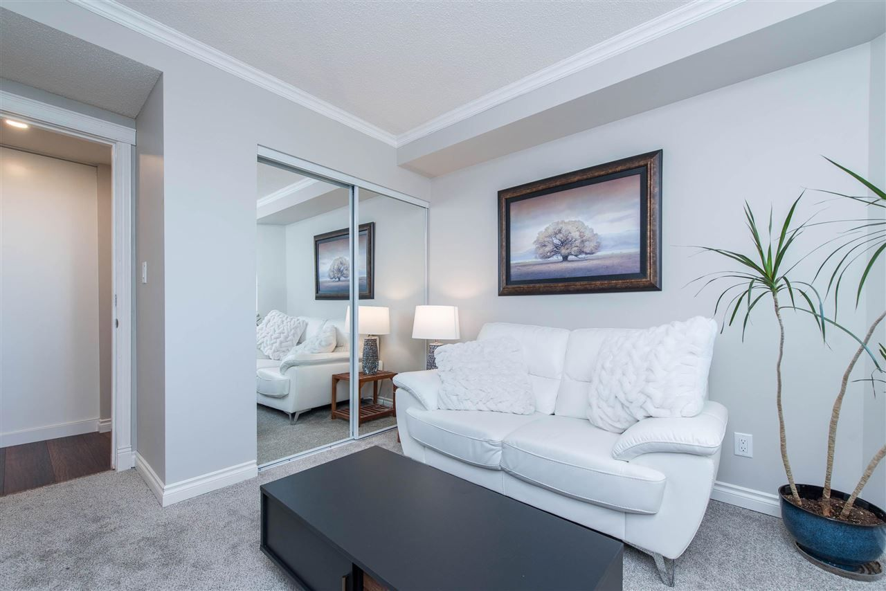 """Photo 29: Photos: 1402 3190 GLADWIN Road in Abbotsford: Central Abbotsford Condo for sale in """"Regency Park"""" : MLS®# R2589497"""