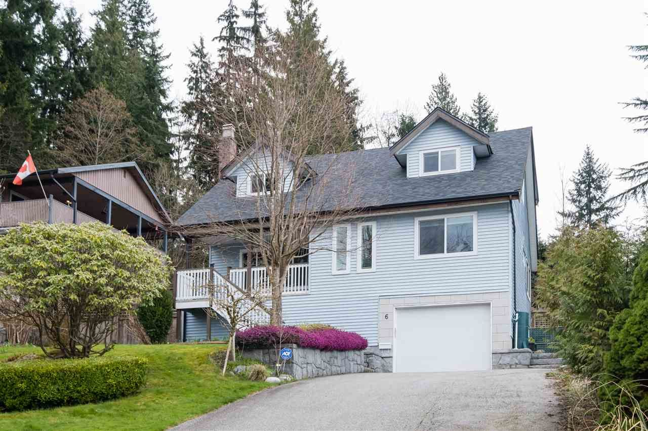 Main Photo: 6 MCNAIR Bay in Port Moody: Barber Street House for sale : MLS®# R2559454