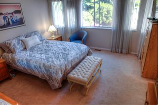 """Photo 5: 932 164A Street in Surrey: King George Corridor House for sale in """"McNally Creek"""" (South Surrey White Rock)  : MLS®# R2604174"""