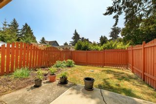 Photo 18: 111 1709 McKenzie Ave in Saanich: SE Mt Tolmie Row/Townhouse for sale (Saanich East)  : MLS®# 883098