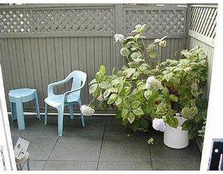 Photo 8: 4 920 TOBRUCK AV in North Vancouver: Home for sale : MLS®# V617502