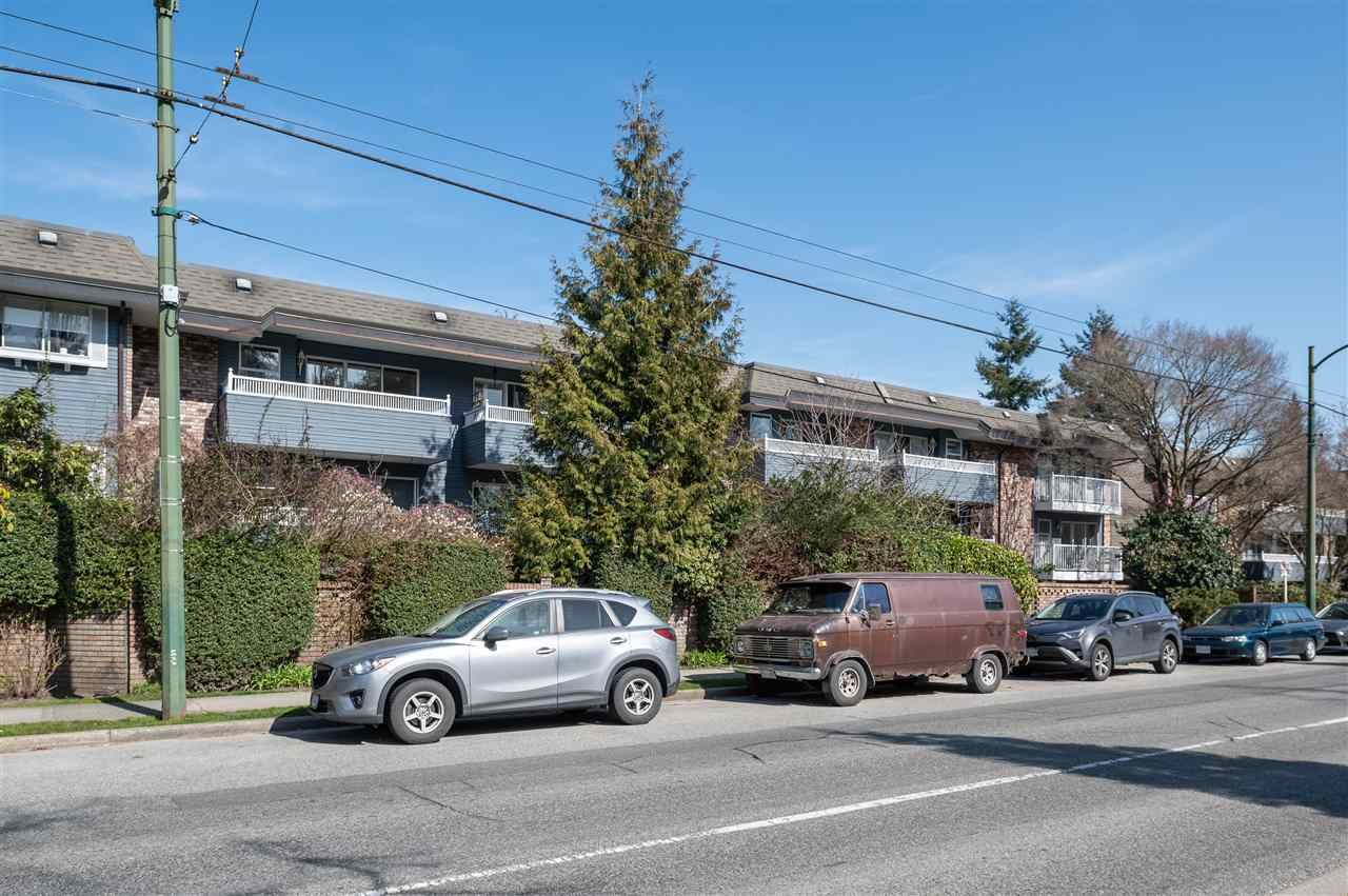 "Photo 10: Photos: 305 3875 W 4TH Avenue in Vancouver: Point Grey Condo for sale in ""Landmark Jericho"" (Vancouver West)  : MLS®# R2448457"