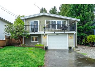 Photo 2: 15857 RUSSELL Avenue: White Rock House for sale (South Surrey White Rock)  : MLS®# R2534291