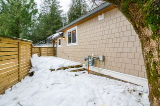 Photo 33: 4077 LAKEMOUNT Road in Abbotsford: Sumas Mountain House for sale : MLS®# R2229779
