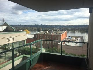 """Main Photo: 205 420 CARNARVON Street in New Westminster: Downtown NW Condo for sale in """"Carnarvon Towers"""" : MLS®# R2116120"""