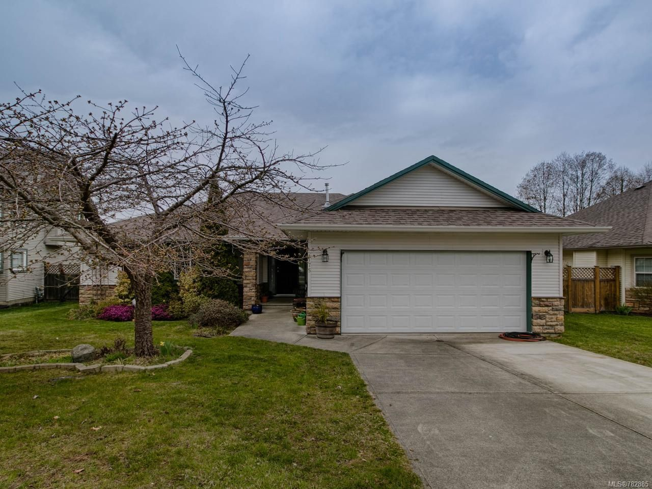 Main Photo: 2175 Joanne Dr in CAMPBELL RIVER: CR Willow Point House for sale (Campbell River)  : MLS®# 782885