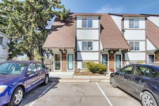 Photo 3: 2 304 Cedar Crescent SW in Calgary: Spruce Cliff Row/Townhouse for sale : MLS®# A1153924
