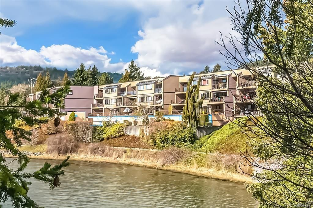 Main Photo: 116 485 Island Hwy in : VR Six Mile Condo for sale (View Royal)  : MLS®# 884247