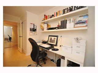 """Photo 1: 107 310 W 3RD Street in North Vancouver: Lower Lonsdale Condo for sale in """"DEVON MANOR"""" : MLS®# V788416"""
