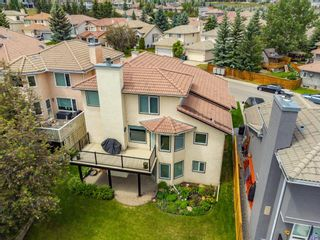 Photo 3: 54 Signature Close SW in Calgary: Signal Hill Detached for sale : MLS®# A1138139