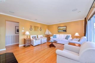 Photo 3: 4520 Markham St in VICTORIA: SW Beaver Lake House for sale (Saanich West)  : MLS®# 798977